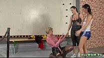 Hot babes wet boxing Vorschaubild