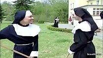 Notgeile Nonne  Wird Vom Handwerker Heimlich E rker Heimlich Entjungfert