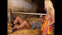 Schwiegertocher im Stall gefickt - German Porn Star
