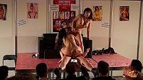 Capitano Eric scopa a tutta forzaMary Rider  e Luna Dark al Salon Erotico di Oporto thumbnail