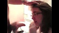 Deutsche Schlampe mit Brille am Ficken