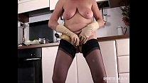 Моя жена мастурбирует в ванной