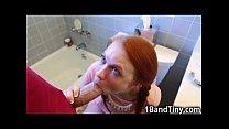 Teen So Small She Got Stuck in the Toilet! Vorschaubild