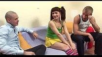 Молодые лесбиянки и двухсторонний дилдо