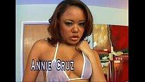 Annie Cruz-scene2