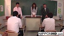 คลิปเอ็กซ์ครูสาวเข้ามาใหม่ให้นักเรียนหนุ่มต้อนรับเธอ