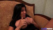 19864 Sarah, beurette à gros nichons, fait sa première scène porno avec Tony Carrera [Full Video] preview