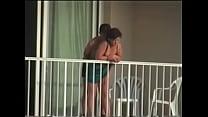sexo en el balcon del hotel