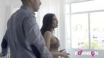 4K La bella latina Canela Skin quiere que el tasador Kevin White le folle el culo y ella se corre a chorros صورة