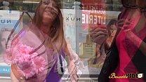 Mélissa veut un plan lesbien pour faire plaisir à son mari Preview