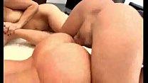 Nacho Vidal cogiendo con sus perras porn thumbnail