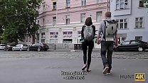 HUNT4K. Lavventurosa Denisse e felice di fare sesso per soldi a Praga Vorschaubild