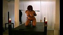 Порно онлайн женщину жестко оттрахали