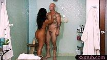 Huge boobs masseuse banged by her client Vorschaubild