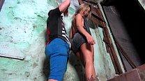 putinha brasileira da favela fodendo com cunhado