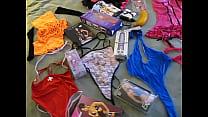 nuestra coleccion de prendas y jugetes