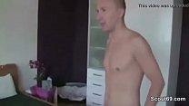 Momfucksstepson: Deutsche Hure aus Hamburg Echtes SexTape mit 2 Freiern thumbnail