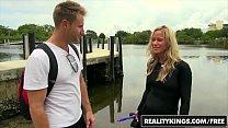 RealityKings - Milf Hunter - (Levi Cash, Simone Sonay) - So Sexy Vorschaubild