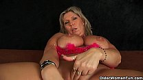 Chunky mature mom with big tits masturbates preview image