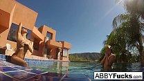 Behind the Scenes underwater fun with Abigail Mac & Romi's Thumb