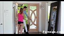 College Bro Comes Home To Horny Sis| Famxxx.com