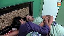 saree aunty seducing and flashing to TV repair ...