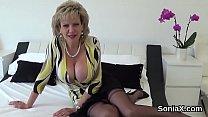 Unfaithful uk mature lady sonia unveils her hug...