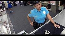 Видео рабы в подвалах госпожи облизывают ей ноги