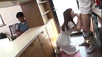ถ่ายคลิปให้คู่รักดูดควยเล่นเซ็กกันในห้องครัว กระหนำเสียบเย็ดหนักจับเด้ารอกันจนแตกเสร็จไปหลายน้ำ