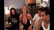 Порно-ролики где мать и дочь занимаются сексом с мужчиной