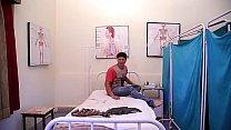 लेडी डॉक्टर ने उठाया पेशेंट का फायदा  Lady Doctor Ne Uthaya Patient ka Phayda 1