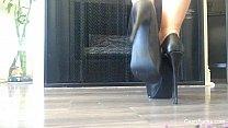 Capri Cavanni Shows off her heels