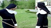 Handwerker f ickt notgeile Nonne direkt im Kloster durch