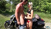 Barely Legal Blonde Fucked Outdoors for the First Time Vorschaubild