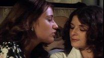 Совращение милфами лезбиянками девочек кино