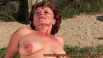 Мужчина сосущий женскую грудь видео