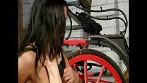 Hard Dolce Elektra chevauche une longue queue e... thumb