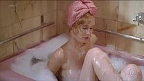 Mariana Ximenes na banheira