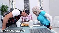 MIA KHALIFA - Featuring Big Tits MILF Julianna Vega... With Cum Shot! Vorschaubild
