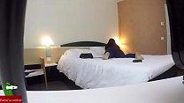 pillada en un hotel una pareja tiene sexo para dos mires sin saber que les graban GUI041 - 9Club.Top
