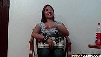 Filipina Amateu r Meets And Fucks A Stranger ks A Stranger