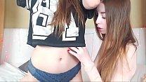 Young Women Scissor Each Other On Webcam [레즈비언 웹캠 lesbian webcam]