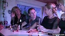 Free download video bokep Traum von Jungspund wird wahr und er darf 3 MILFs ficken
