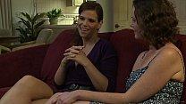 MILF feeling like a lesbian schoolgirl - Veronica Snow, Syren De Mer Vorschaubild