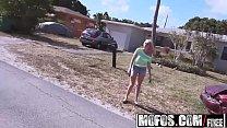 Mofos - Stranded Teens - Kiera Daniels - Blondes Juicy Booty Bounces [모포스 mofos site]