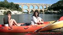 Le canoë au Pont du Gard pour deux filles en couche