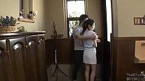 Hai mẹ con loạn luân sau lưng ông bố - full: http://zo.ee/6C8Yg - 69VClub.Com
