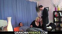 Busty granma in stockings swallows two cocks Vorschaubild