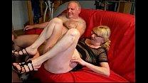 Tiozinho corno dividindo a esposa Thumbnail