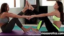 Девушка делает массаж парню а потом секс видео